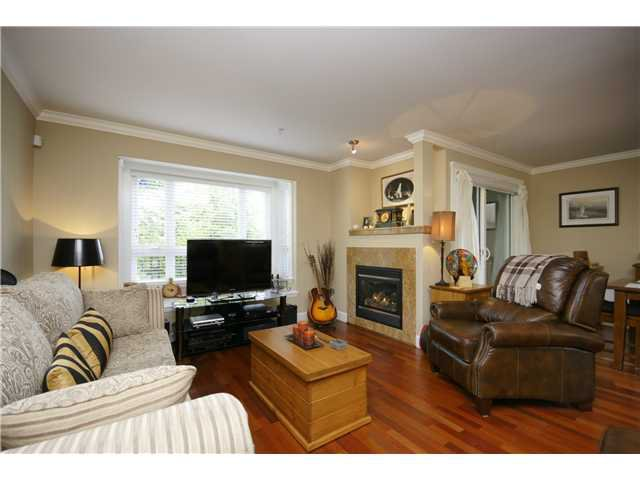 """Photo 4: Photos: 2 227 E 11TH Street in North Vancouver: Central Lonsdale Townhouse for sale in """"ST ANDREWS COURT"""" : MLS®# V889129"""