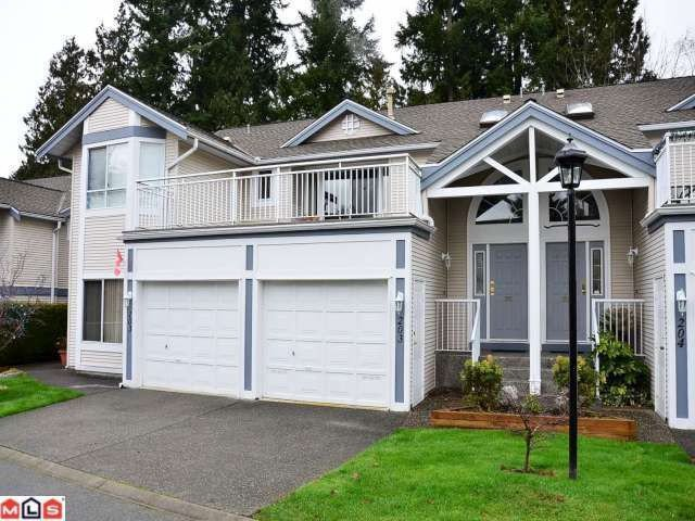 "Main Photo: 203 9072 FLEETWOOD Way in Surrey: Fleetwood Tynehead Townhouse for sale in ""WYND RIDGE"" : MLS®# F1128988"