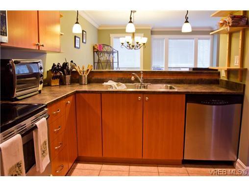 Main Photo: 107 827 Arncote Avenue in VICTORIA: La Langford Proper Residential for sale (Langford)  : MLS®# 321976