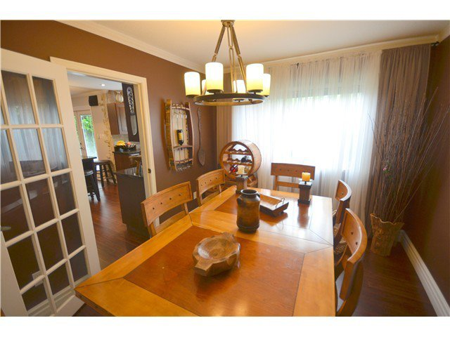Main Photo: 1983 148A Street in Surrey: Sunnyside Park Surrey House for sale (South Surrey White Rock)  : MLS®# F1425120
