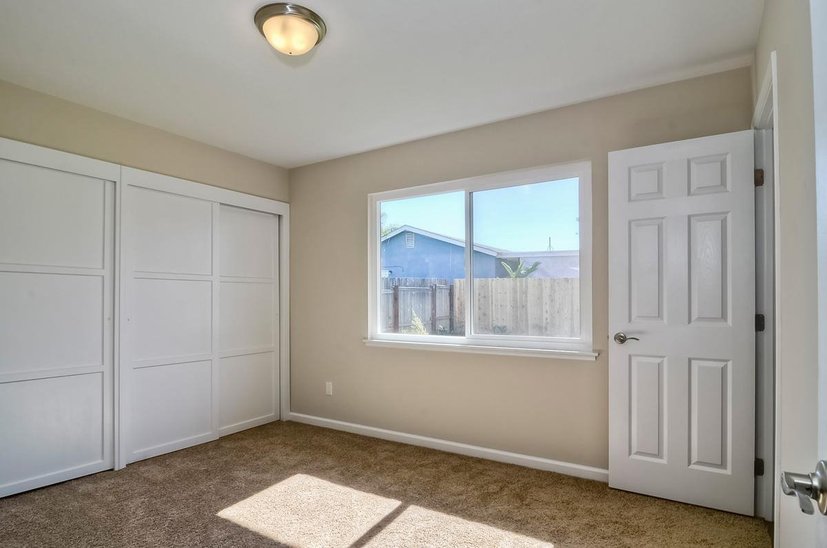 Photo 13: Photos: CLAIREMONT House for sale : 3 bedrooms : 4489 Bertha in San Diego