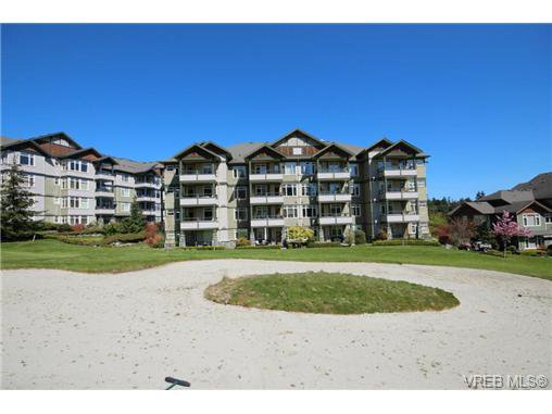 Main Photo: 404C 1115 Craigflower Rd in VICTORIA: Es Gorge Vale Condo Apartment for sale (Esquimalt)  : MLS®# 699339