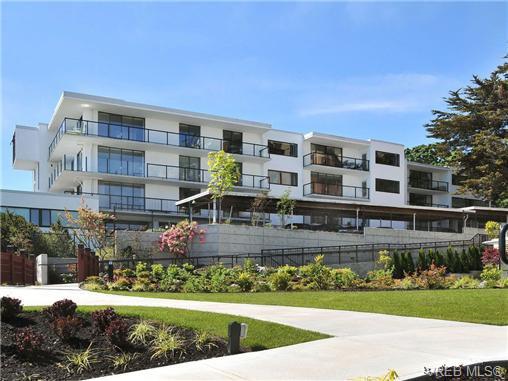 Main Photo: 507 1159 Beach Dr in VICTORIA: OB South Oak Bay Condo for sale (Oak Bay)  : MLS®# 721845
