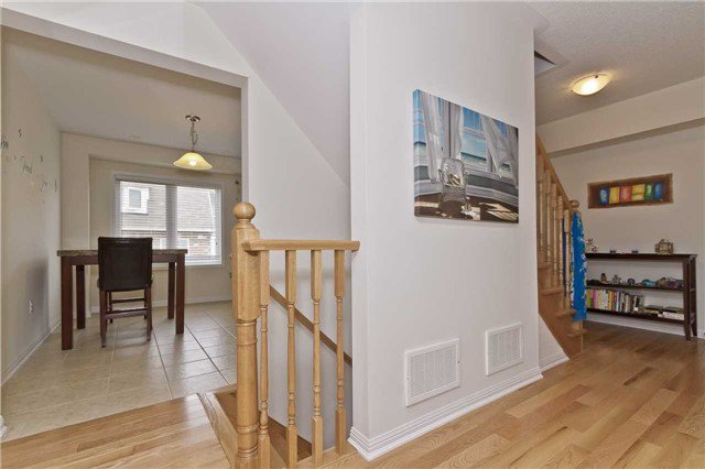 Photo 4: Photos: 9 Lanternlight Lane in Brampton: Northwest Brampton House (3-Storey) for sale : MLS®# W3495833