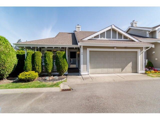 "Main Photo: 39 20788 87 Avenue in Langley: Walnut Grove Townhouse for sale in ""KENSINGTONM VILLAGE"" : MLS®# R2071308"