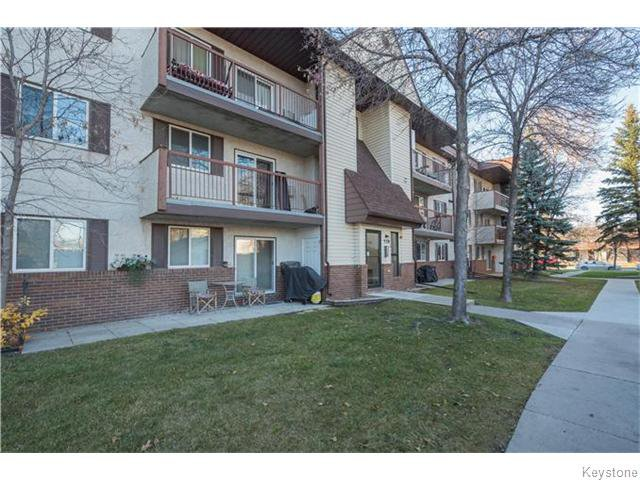 Main Photo: 30 Lake Crest Road in Winnipeg: Waverley Heights Condominium for sale (1L)  : MLS®# 1628738
