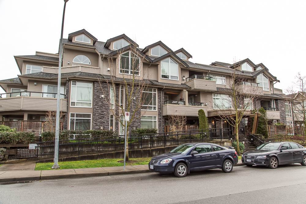Main Photo: 305 3150 VINCENT STREET in : Glenwood PQ Condo for sale : MLS®# R2032188