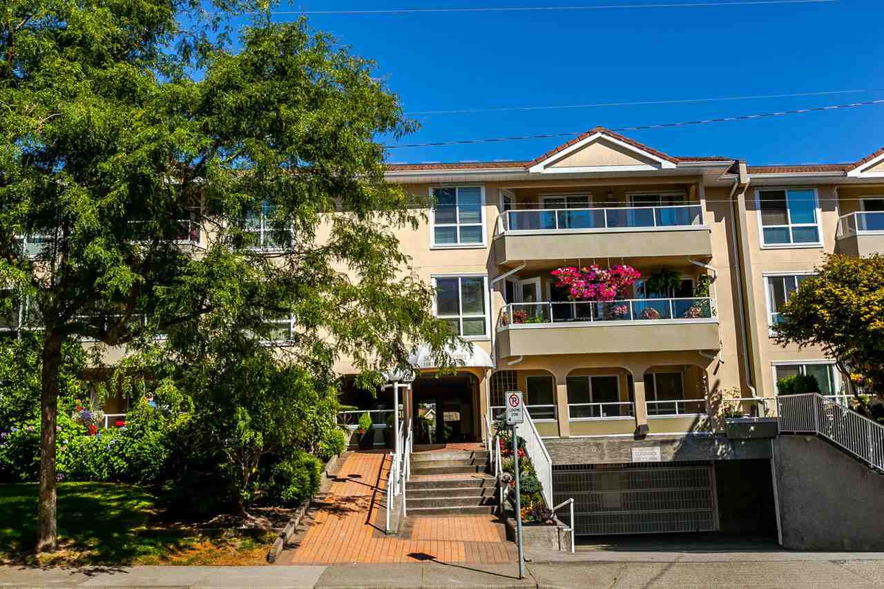 "Main Photo: 312 15875 MARINE Drive: White Rock Condo for sale in ""Southpoint"" (South Surrey White Rock)  : MLS®# R2199043"
