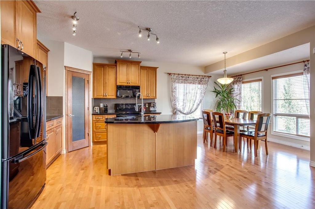 Photo 13: Photos: 14 SILVERADO SKIES Crescent SW in Calgary: Silverado House for sale : MLS®# C4140559