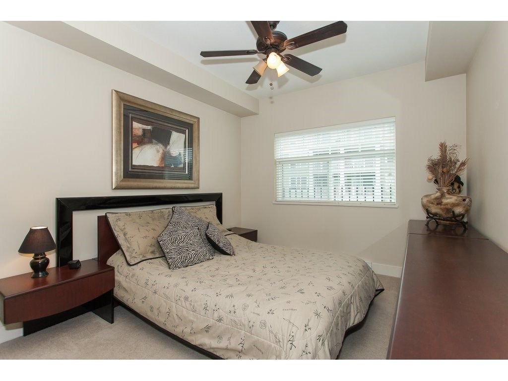 """Photo 14: Photos: 302 19530 65 Avenue in Surrey: Clayton Condo for sale in """"WILLOW GRAND"""" (Cloverdale)  : MLS®# R2239638"""