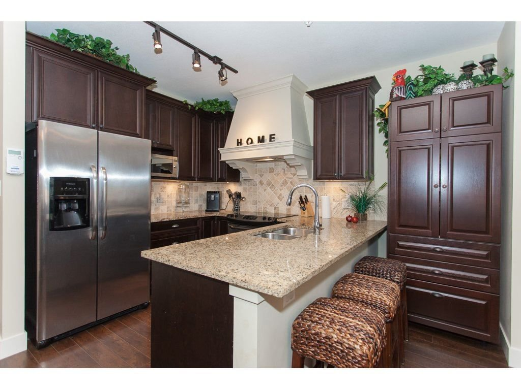 """Photo 3: Photos: 302 19530 65 Avenue in Surrey: Clayton Condo for sale in """"WILLOW GRAND"""" (Cloverdale)  : MLS®# R2239638"""