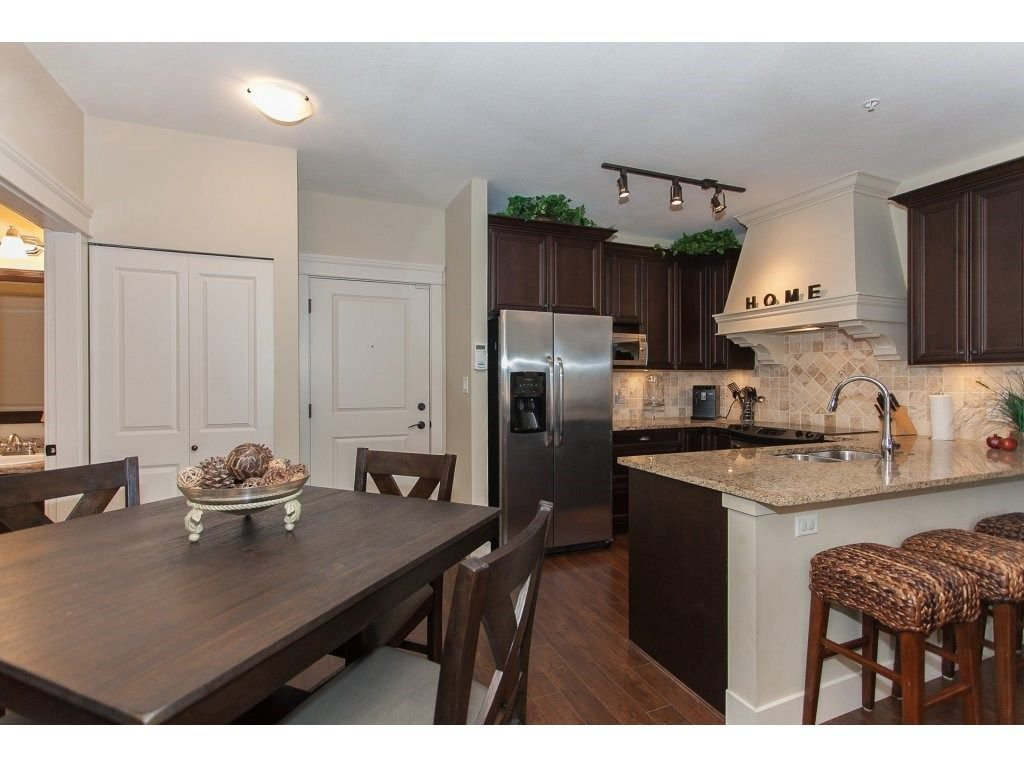 """Photo 13: Photos: 302 19530 65 Avenue in Surrey: Clayton Condo for sale in """"WILLOW GRAND"""" (Cloverdale)  : MLS®# R2239638"""