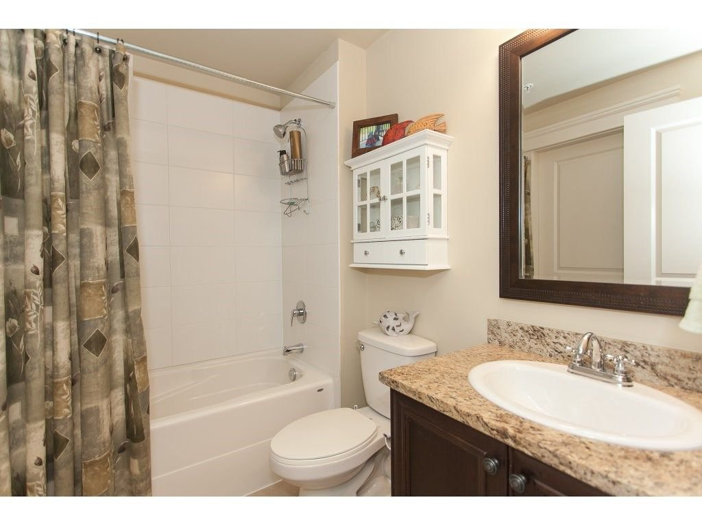 """Photo 18: Photos: 302 19530 65 Avenue in Surrey: Clayton Condo for sale in """"WILLOW GRAND"""" (Cloverdale)  : MLS®# R2239638"""