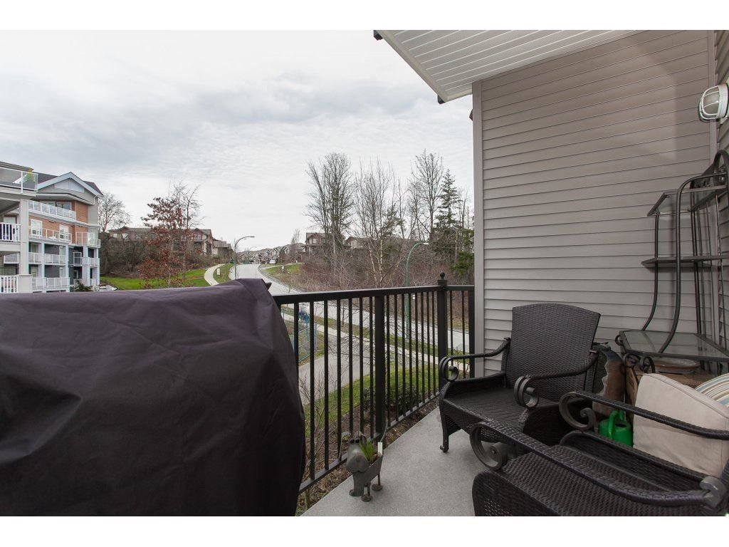 """Photo 20: Photos: 302 19530 65 Avenue in Surrey: Clayton Condo for sale in """"WILLOW GRAND"""" (Cloverdale)  : MLS®# R2239638"""