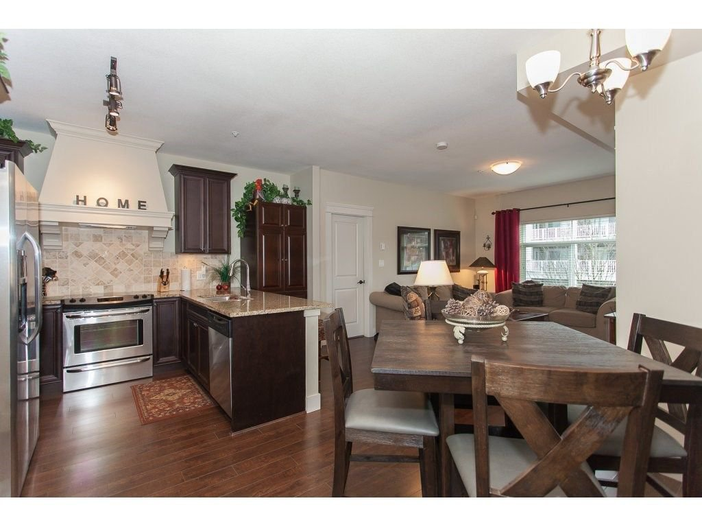 """Photo 7: Photos: 302 19530 65 Avenue in Surrey: Clayton Condo for sale in """"WILLOW GRAND"""" (Cloverdale)  : MLS®# R2239638"""
