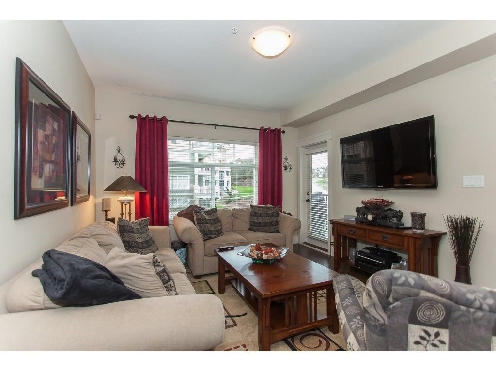 """Photo 9: Photos: 302 19530 65 Avenue in Surrey: Clayton Condo for sale in """"WILLOW GRAND"""" (Cloverdale)  : MLS®# R2239638"""