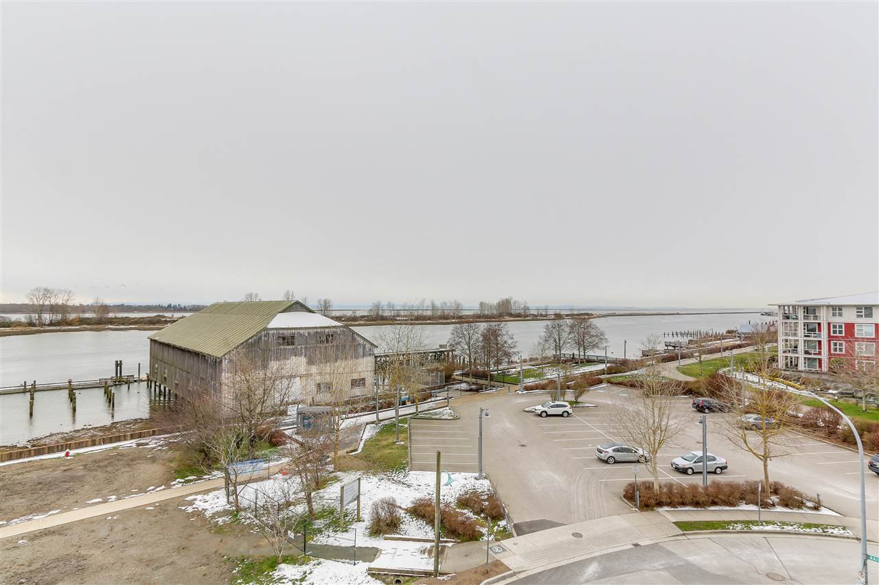 "Photo 18: Photos: 412 12911 RAILWAY Avenue in Richmond: Steveston South Condo for sale in ""THE BRITANNIA"" : MLS®# R2245014"