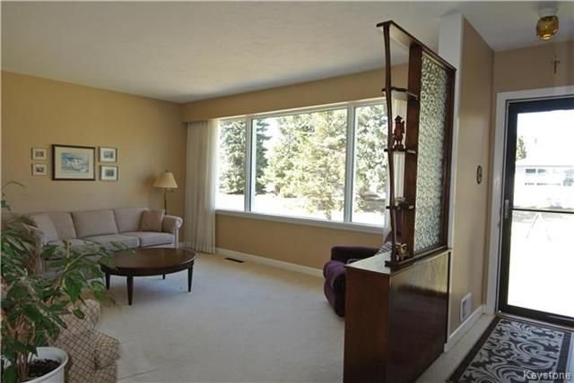Photo 5: Photos: 410 Cabana Place in Winnipeg: Residential for sale (2A)  : MLS®# 1810085