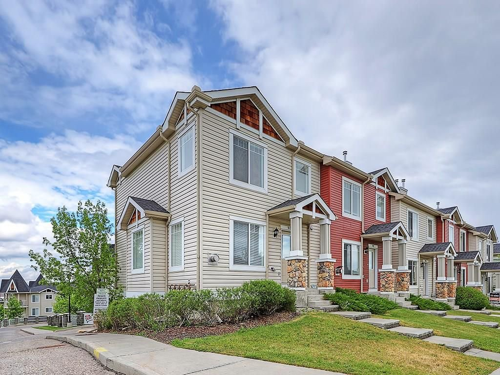 Main Photo: 90 PANAMOUNT Drive NW in Calgary: Panorama Hills House for sale : MLS®# C4188996