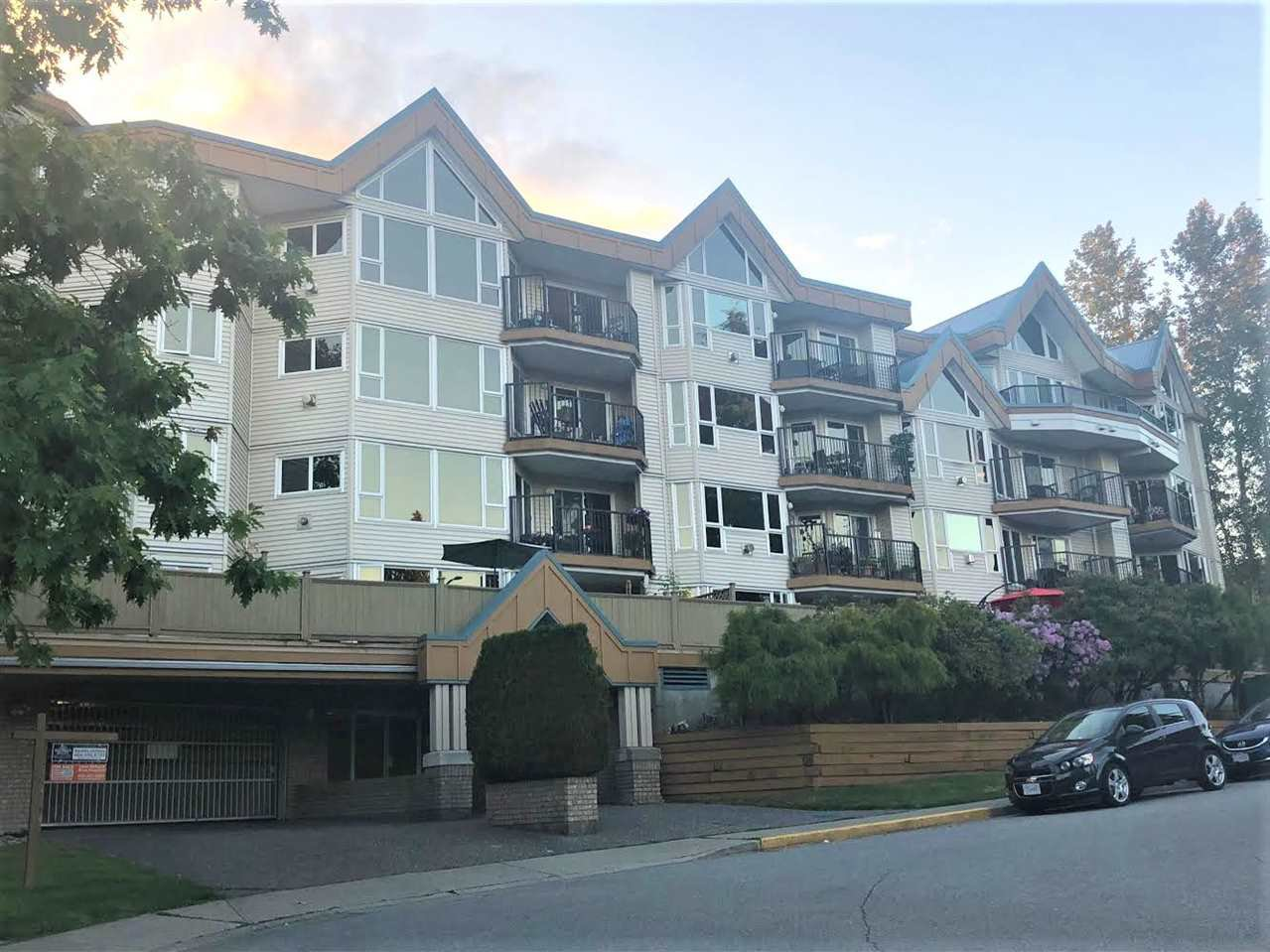 """Main Photo: 309 11595 FRASER Street in Maple Ridge: East Central Condo for sale in """"Brickwood Place"""" : MLS®# R2278957"""