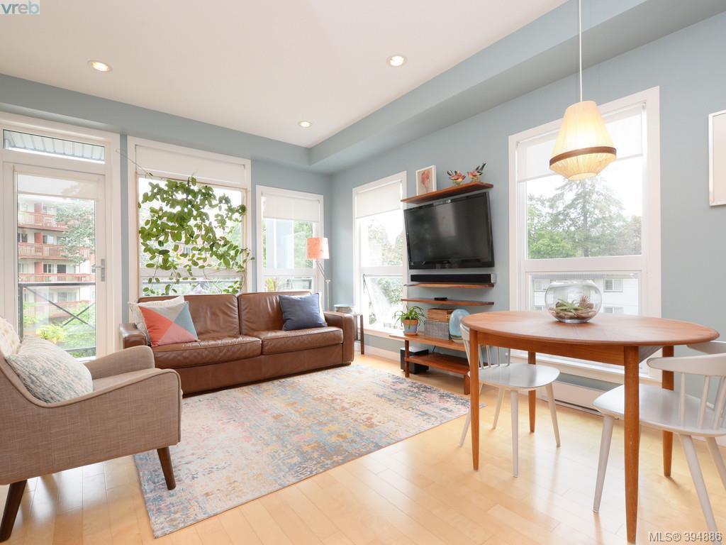 Main Photo: 402 924 Esquimalt Rd in VICTORIA: Es Old Esquimalt Condo Apartment for sale (Esquimalt)  : MLS®# 791630