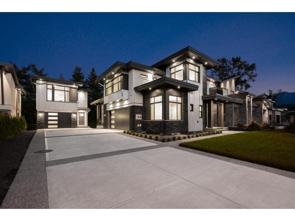 Main Photo: 6456 FAIRWAY Street in Sardis: Sardis East Vedder Rd House for sale : MLS®# R2309620