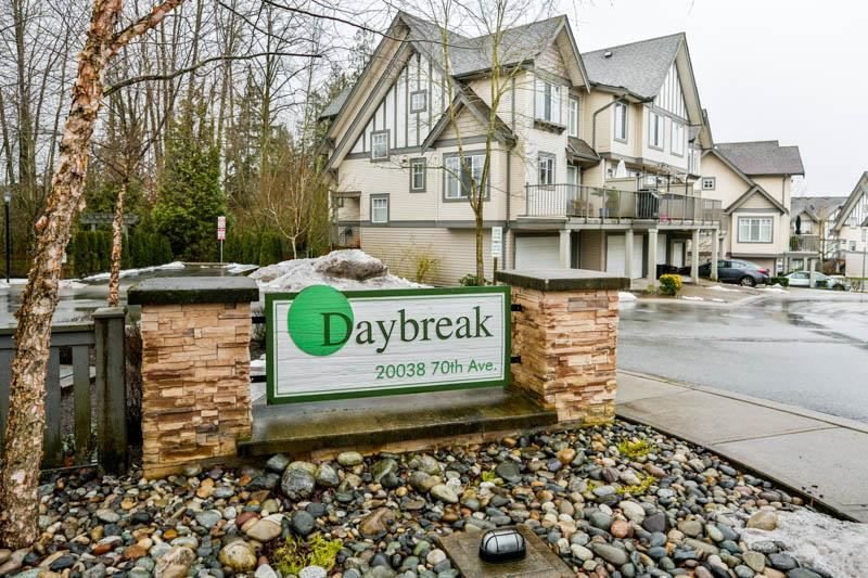 "Main Photo: 78 20038 70 Avenue in Langley: Willoughby Heights Townhouse for sale in ""Daybreak"" : MLS®# R2313306"
