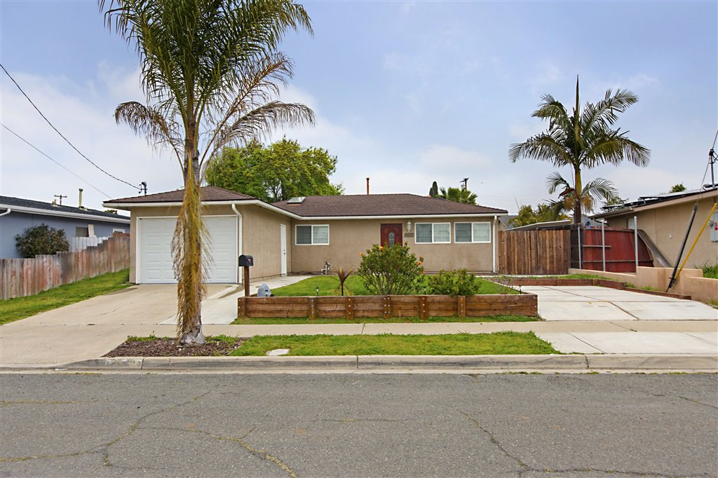 Main Photo: CLAIREMONT House for sale : 3 bedrooms : 5272 Appleton St in San Diego