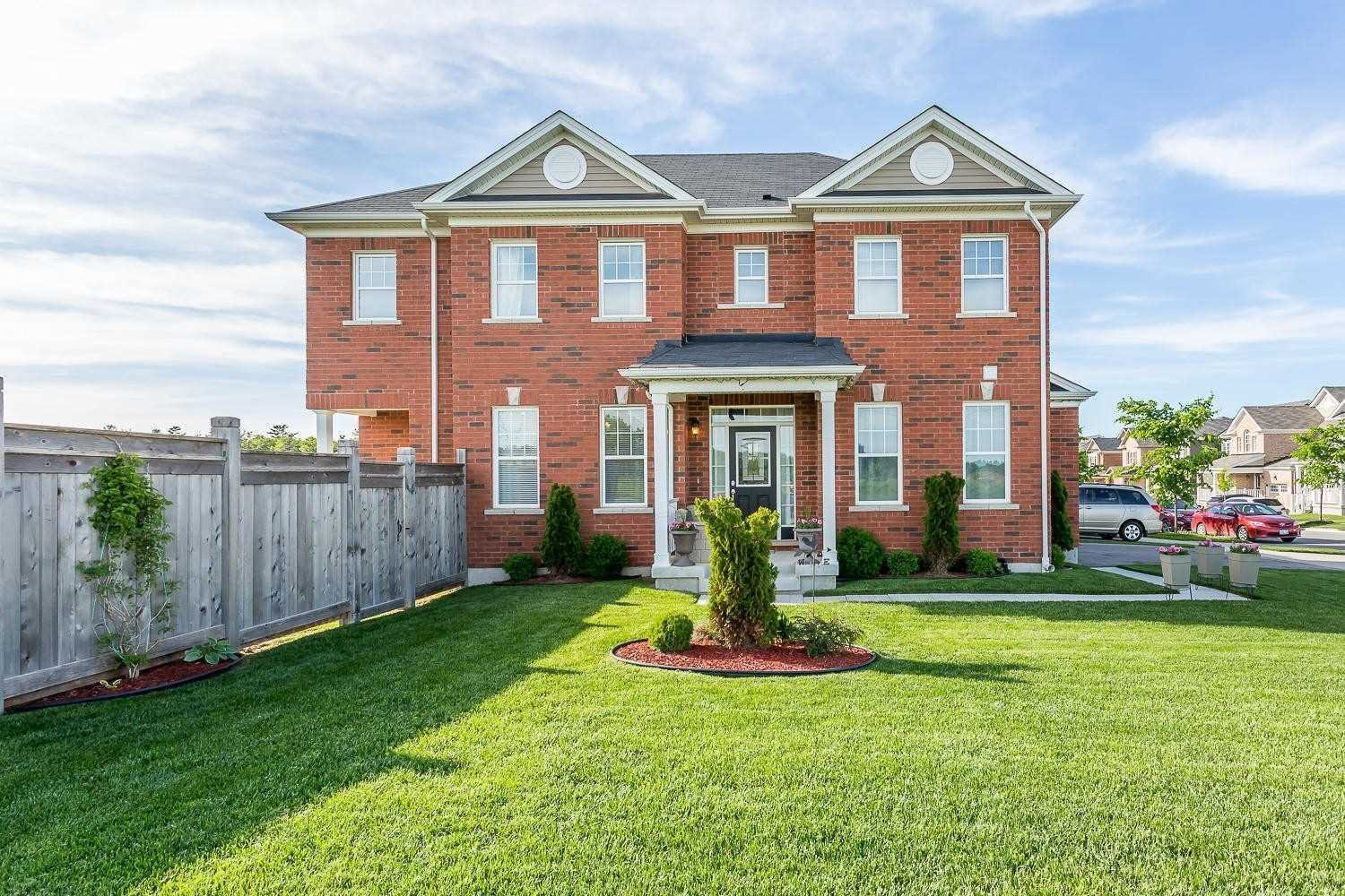 Main Photo: 3 Shoreacres Drive in Kitchener: House (2-Storey) for sale : MLS®# X4553696