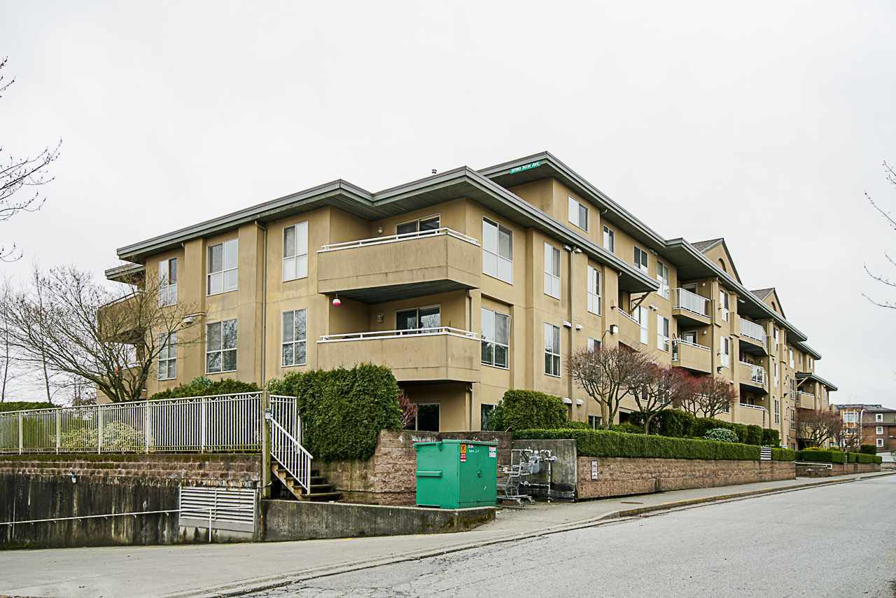 Main Photo: 106 13780 76 AVENUE in Surrey: East Newton Condo for sale : MLS®# R2365964