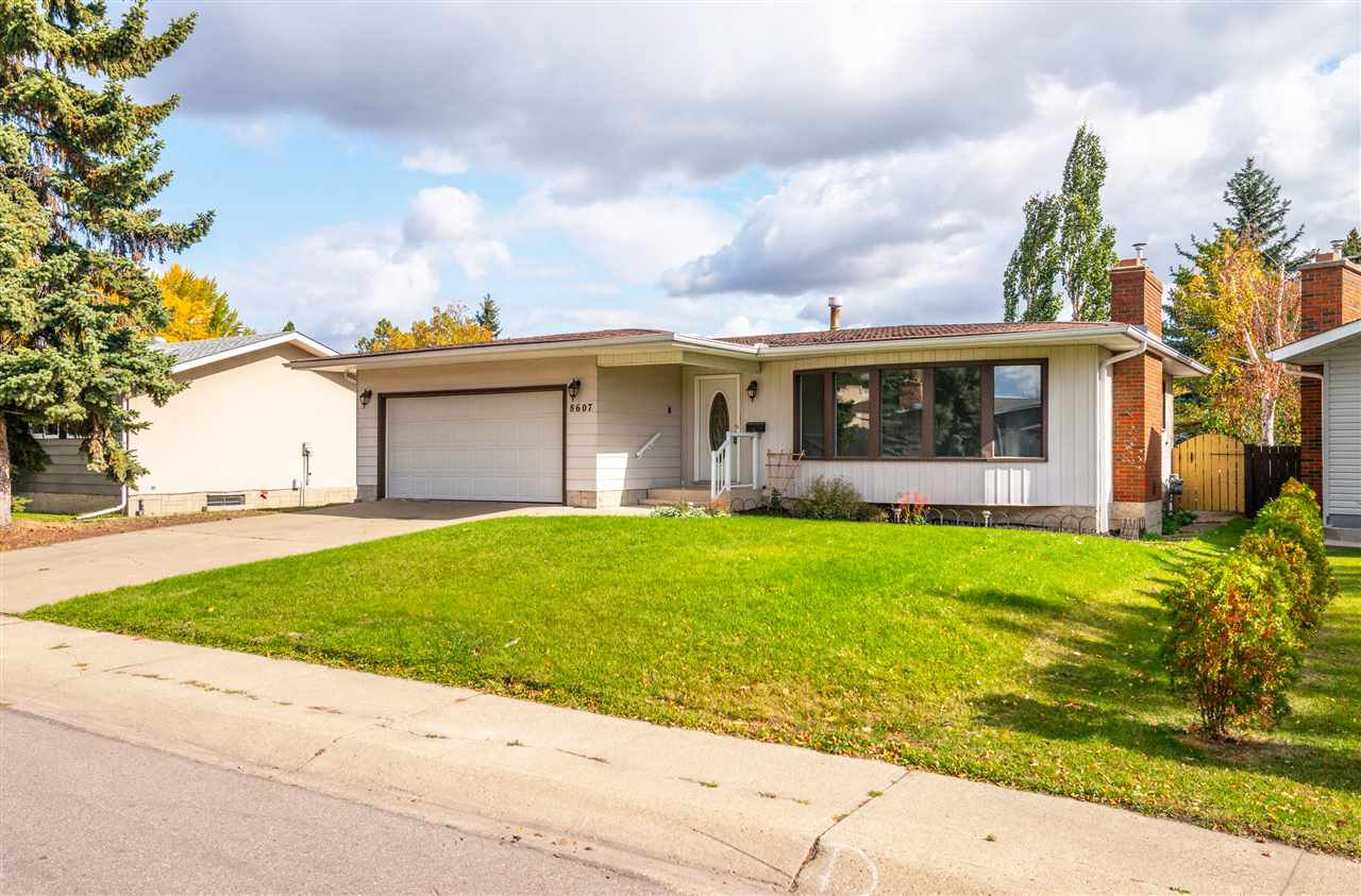 Main Photo: 8607 177 Street in Edmonton: Zone 20 House for sale : MLS®# E4174997