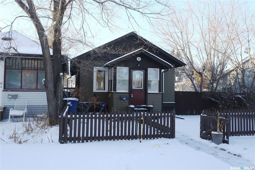 Main Photo: 423 K Avenue North in Saskatoon: Westmount Residential for sale : MLS®# SK800166