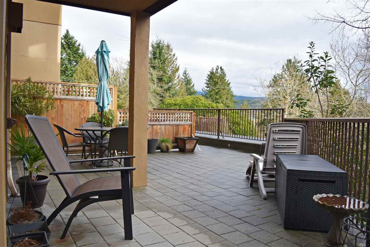 Photo 2: Photos: 106 5855 COWRIE Street in Sechelt: Sechelt District Condo for sale (Sunshine Coast)  : MLS®# R2441835