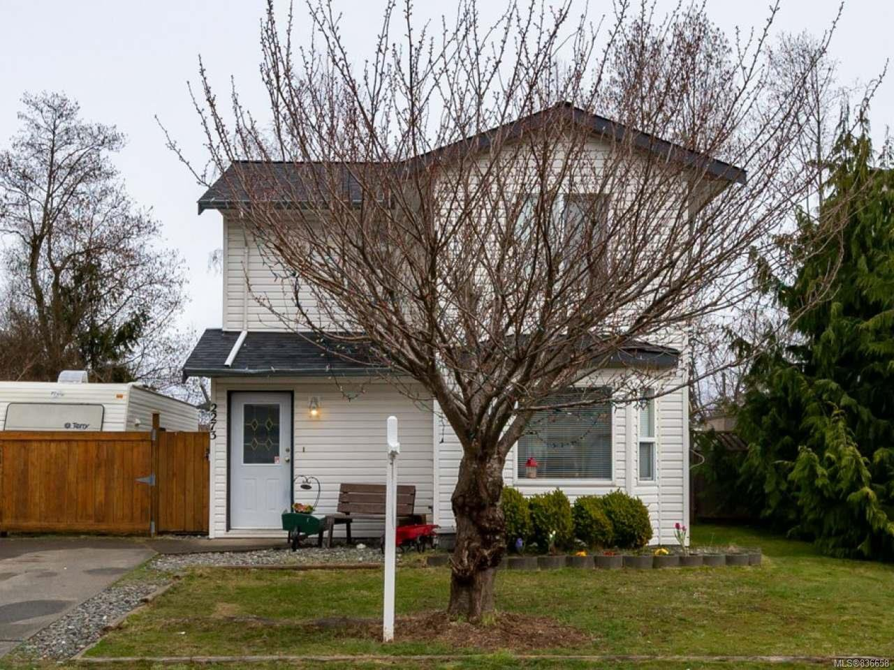 Main Photo: 2273 Galerno Rd in CAMPBELL RIVER: CR Willow Point House for sale (Campbell River)  : MLS®# 836658