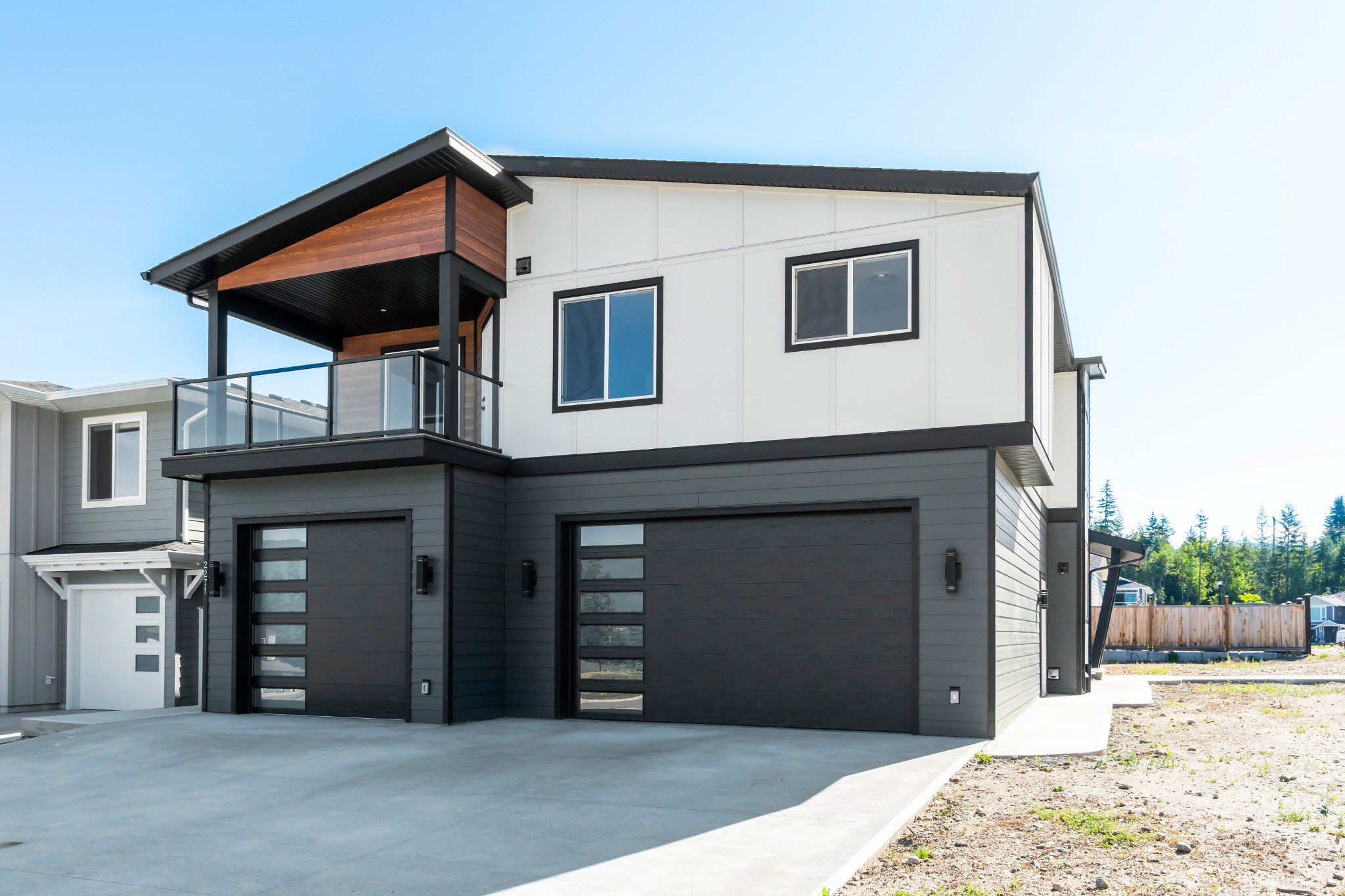 Main Photo: 2271 Southeast 14th Avenue in Salmon Arm: House for sale