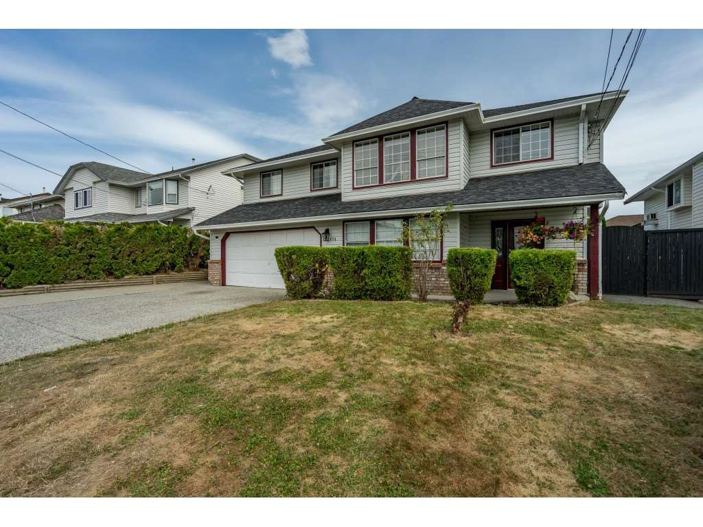 Main Photo: 2974 TOWNLINE Road in Abbotsford: Abbotsford West House for sale : MLS®# R2487784