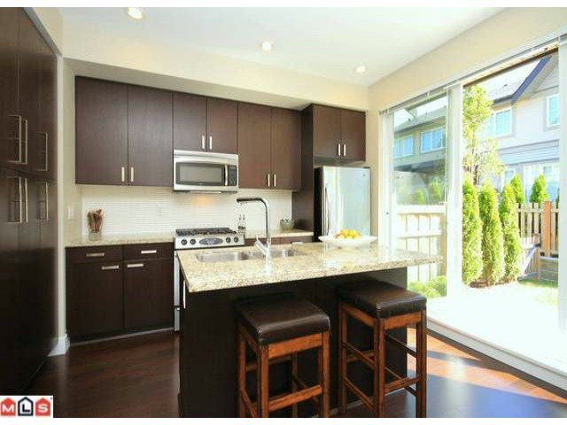 Main Photo: 118 2501 161A Street in Surrey: Grandview Surrey Townhouse for sale (South Surrey White Rock)  : MLS®# F1221544