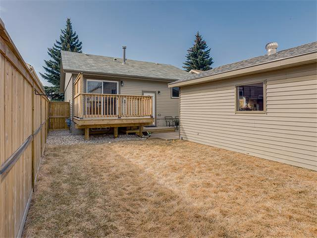 Photo 31: Photos: 116 ERIN PARK Close SE in Calgary: Erinwoods House for sale : MLS®# C4006454