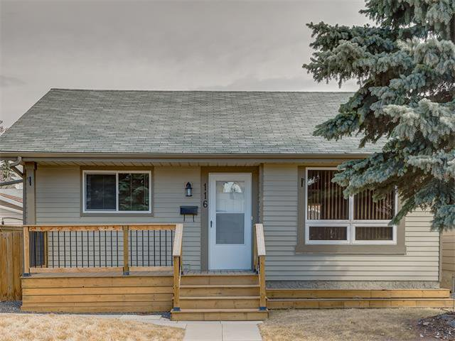 Photo 2: Photos: 116 ERIN PARK Close SE in Calgary: Erinwoods House for sale : MLS®# C4006454