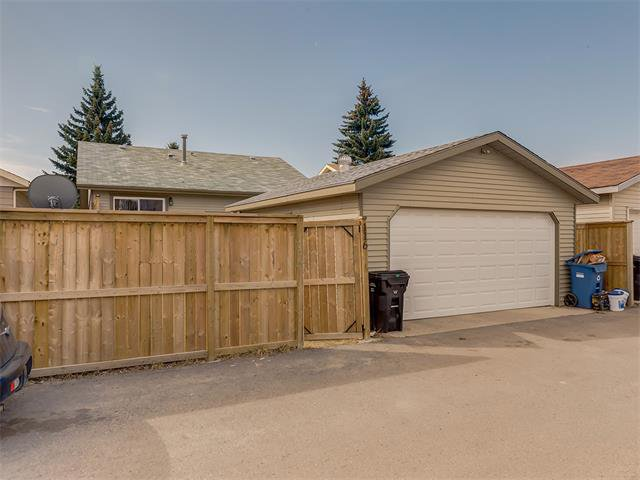 Photo 33: Photos: 116 ERIN PARK Close SE in Calgary: Erinwoods House for sale : MLS®# C4006454