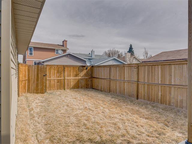 Photo 32: Photos: 116 ERIN PARK Close SE in Calgary: Erinwoods House for sale : MLS®# C4006454