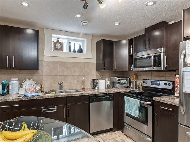 Photo 23: Photos: 116 ERIN PARK Close SE in Calgary: Erinwoods House for sale : MLS®# C4006454