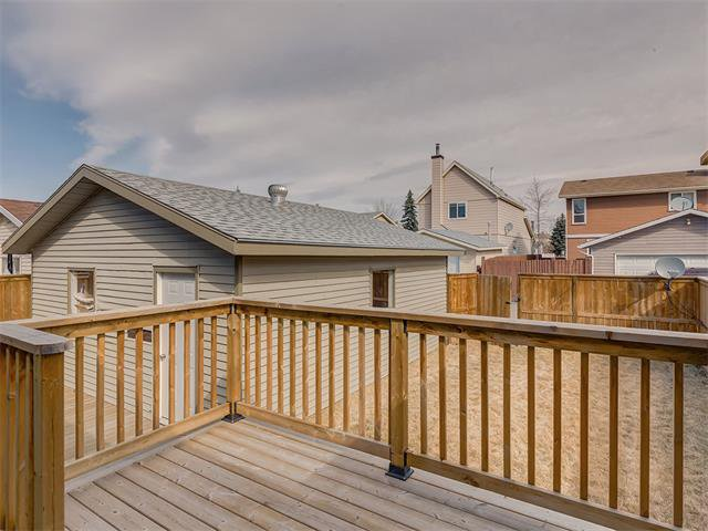 Photo 29: Photos: 116 ERIN PARK Close SE in Calgary: Erinwoods House for sale : MLS®# C4006454