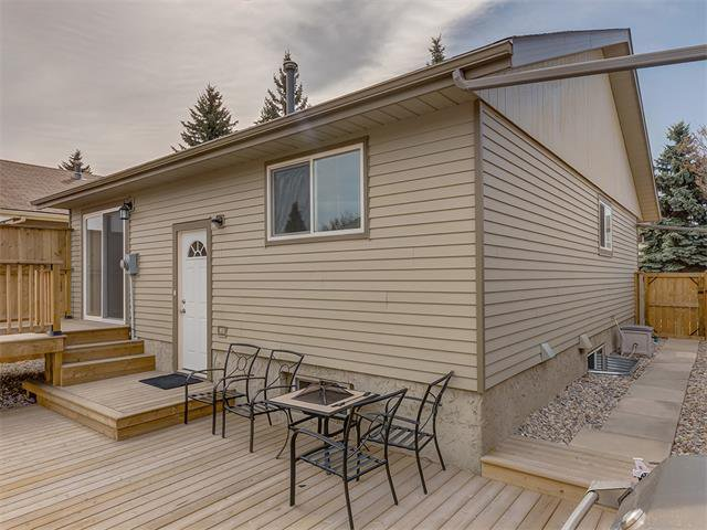 Photo 30: Photos: 116 ERIN PARK Close SE in Calgary: Erinwoods House for sale : MLS®# C4006454