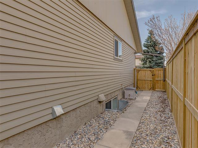 Photo 34: Photos: 116 ERIN PARK Close SE in Calgary: Erinwoods House for sale : MLS®# C4006454