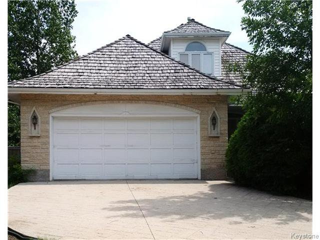 Main Photo: 188 Lindenwood Drive in WINNIPEG: River Heights / Tuxedo / Linden Woods Residential for sale (South Winnipeg)  : MLS®# 1525468