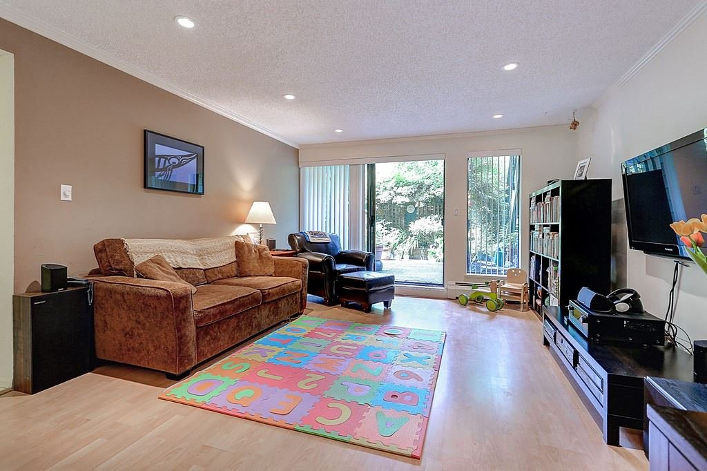 "Main Photo: 223 7055 WILMA Street in Burnaby: Highgate Condo for sale in ""THE BERESFORD"" (Burnaby South)  : MLS®# R2078015"