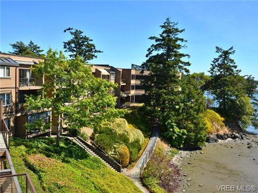 Main Photo: 312 485 Island Highway in VICTORIA: VR Six Mile Condo Apartment for sale (View Royal)  : MLS®# 369243