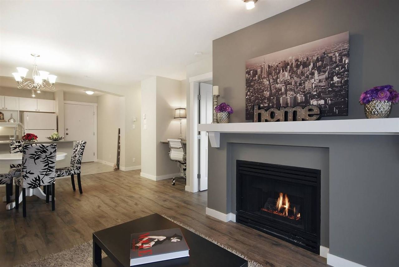 """Photo 7: Photos: 204 1428 PARKWAY Boulevard in Coquitlam: Westwood Plateau Condo for sale in """"Montreaux"""" : MLS®# R2132471"""