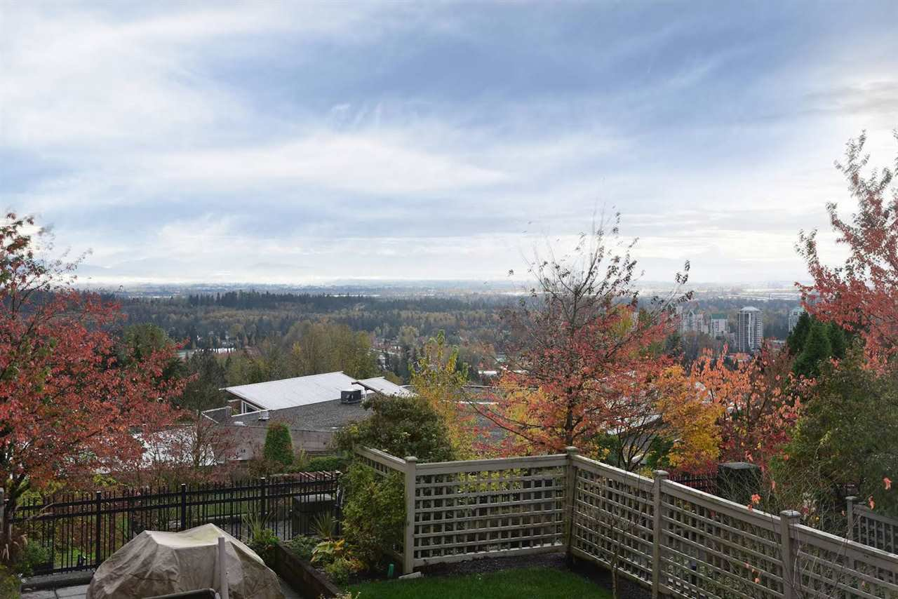 """Photo 8: Photos: 204 1428 PARKWAY Boulevard in Coquitlam: Westwood Plateau Condo for sale in """"Montreaux"""" : MLS®# R2132471"""